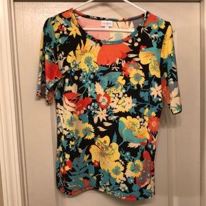 Tops - LuLaRoe Gigi Medium